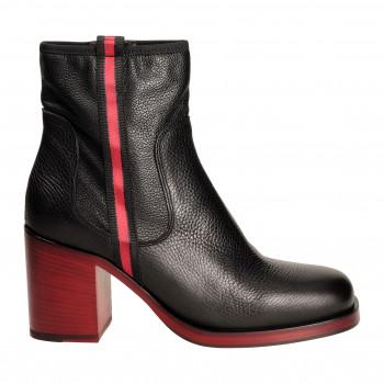 Ботинки Laura Bellariva 4703